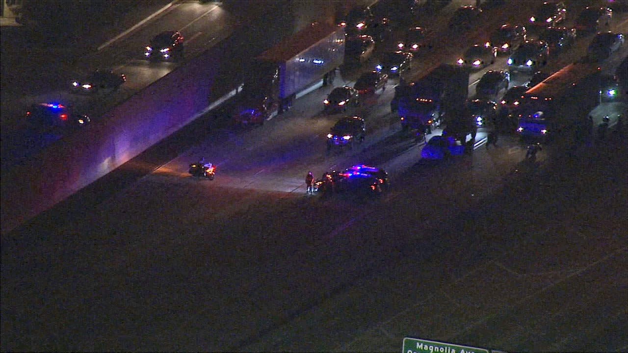 The 91 Freeway was closed in both directions at Brookhurst Boulevard in Fullerton while police were hunting for a pursuit suspect Thursday night.