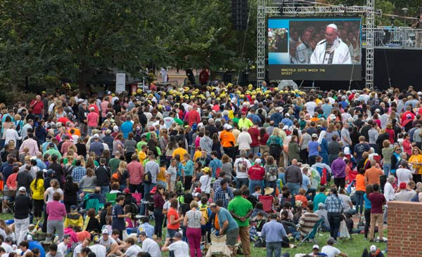 <div class='meta'><div class='origin-logo' data-origin='AP'></div><span class='caption-text' data-credit='AP Photo/Laurence Kesterson, Pool'>Crowds gather on Independence Mall to watch Pope Francis speak on a large TV from the Cathedral Basilica of Sts. Peter and Paul in Philadelphia on Saturday, Sept. 26, 2015.</span></div>