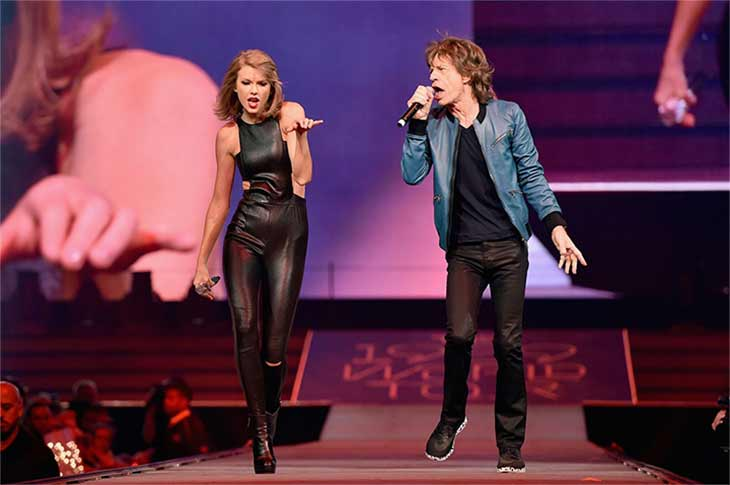 "<div class=""meta image-caption""><div class=""origin-logo origin-image none""><span>none</span></div><span class=""caption-text"">Mick Jagger joined Taylor Swift on stage to perform '(I Can't Get No) Satisfaction' during her sold-out concert at Nashville's Bridgestone Arena on Saturday, Sept. 26, 2015. (Getty Images)</span></div>"