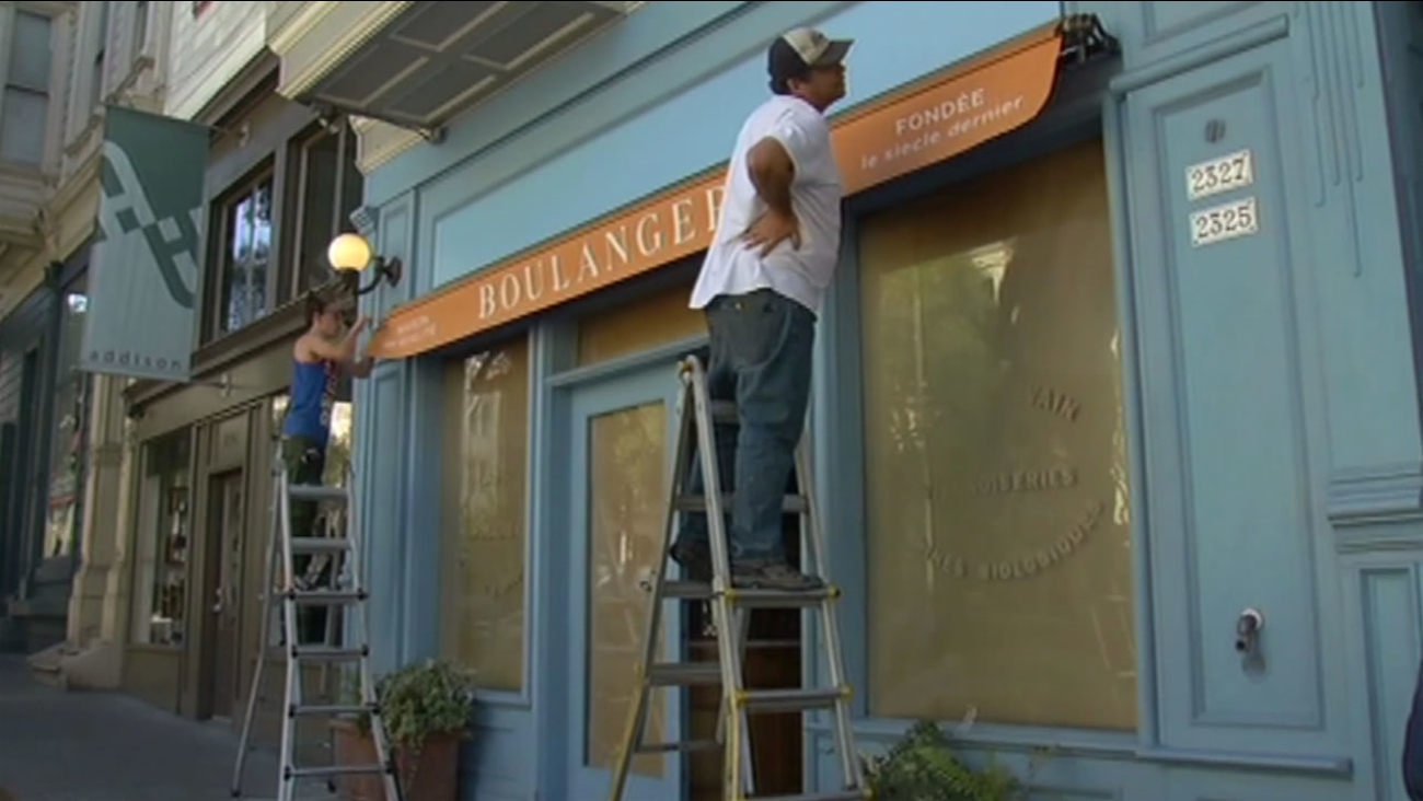 Workers at the Pine Street location prep one of the new La Boulangerie de San Francisco stores at the site of a former La Boulange store, Sept. 29, 2015.