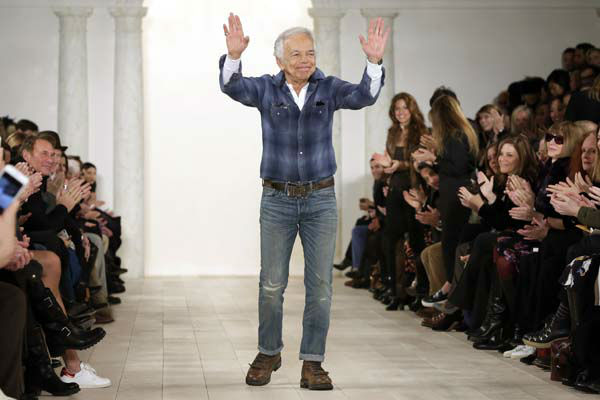 "<div class=""meta image-caption""><div class=""origin-logo origin-image none""><span>none</span></div><span class=""caption-text"">Ralph Lauren acknowledges audience applause after his Fall 2015 collection was modeled, during Fashion Week, in New York, Thursday, Feb. 19, 2015. (AP Photo/ Richard Drew)</span></div>"