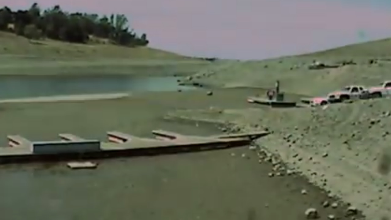 Time Lapse Video From March To August This Year Shows Folsom Lake Drying Up  | Abc7news.com