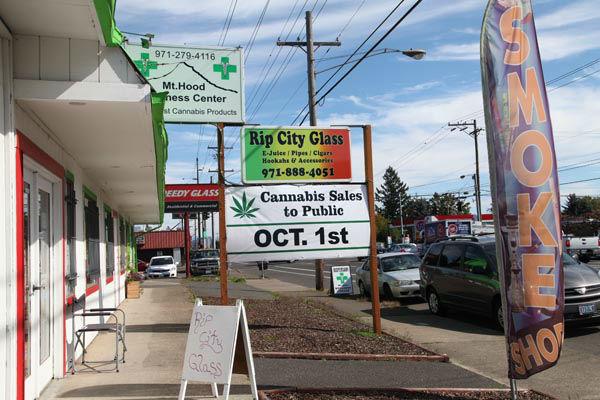 """<div class=""""meta image-caption""""><div class=""""origin-logo origin-image none""""><span>none</span></div><span class=""""caption-text"""">A medical marijuana dispensary displays a sign Monday, Sept. 28, 2015, in Portland, Ore. (AP Photo/ Gosia Wozniacka)</span></div>"""