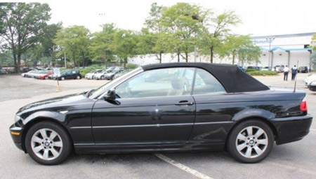A stock photo of what the suspect's vehicle should look like is shown above.