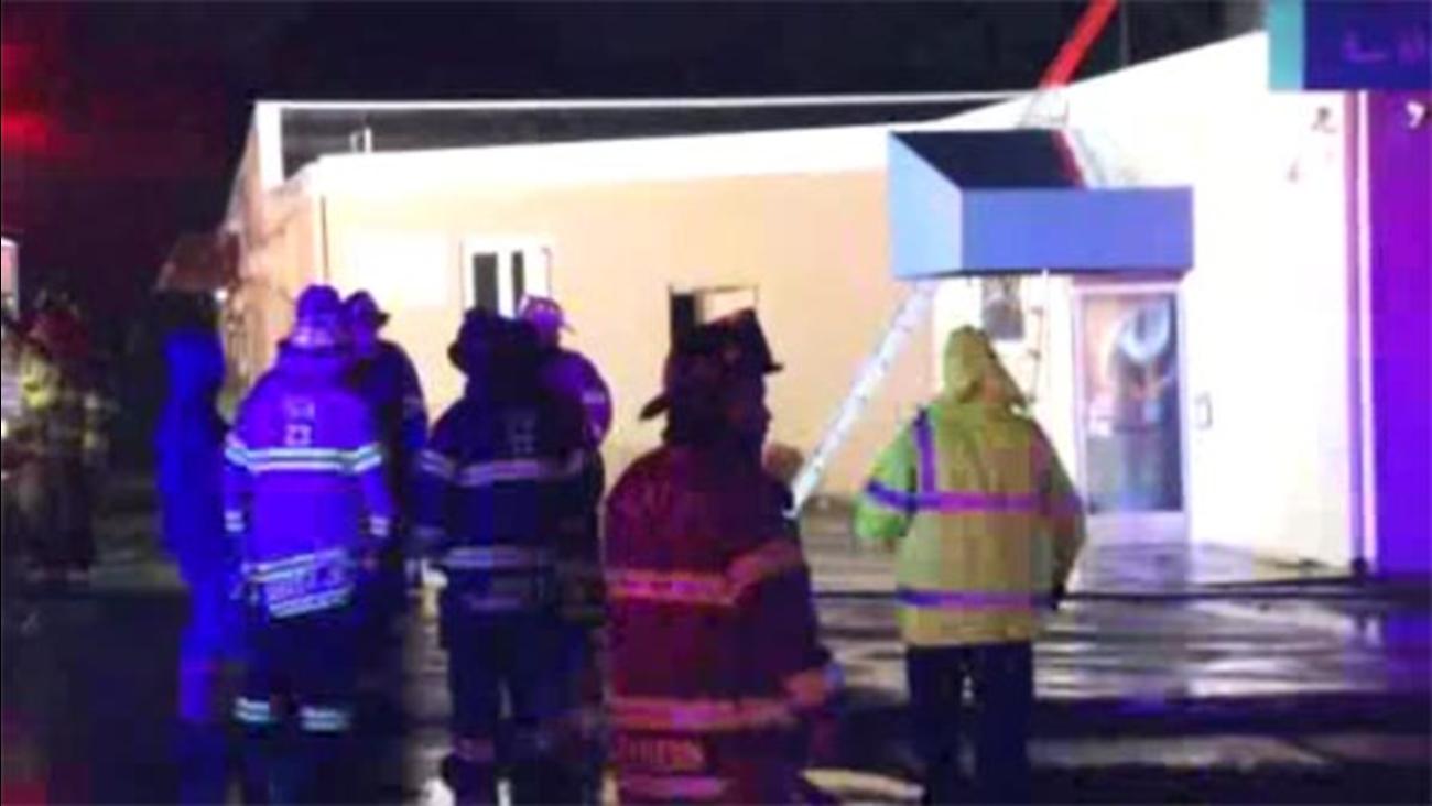 Blaze damages restaurant in New Castle