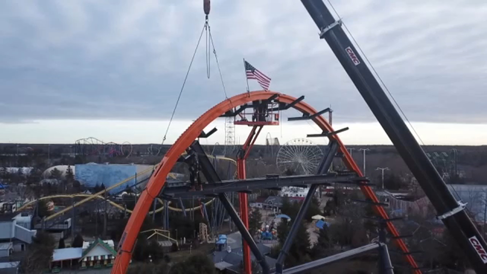 Six Flags New Ride Jersey Devil S Last Piece Of Track Added To World S Tallest Longest Fastest Single Rail Coaster Abc7 New York