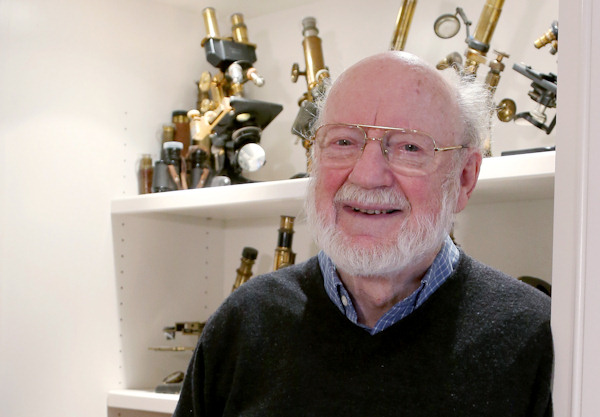 "<div class=""meta image-caption""><div class=""origin-logo origin-image none""><span>none</span></div><span class=""caption-text"">Irish scientist William C. Campbell, who currently teaches at Drew University in New Jersey, poses after learning he won a Nobel Prize in physiology or medicine. (AP Photo/Mary Schwalm)</span></div>"