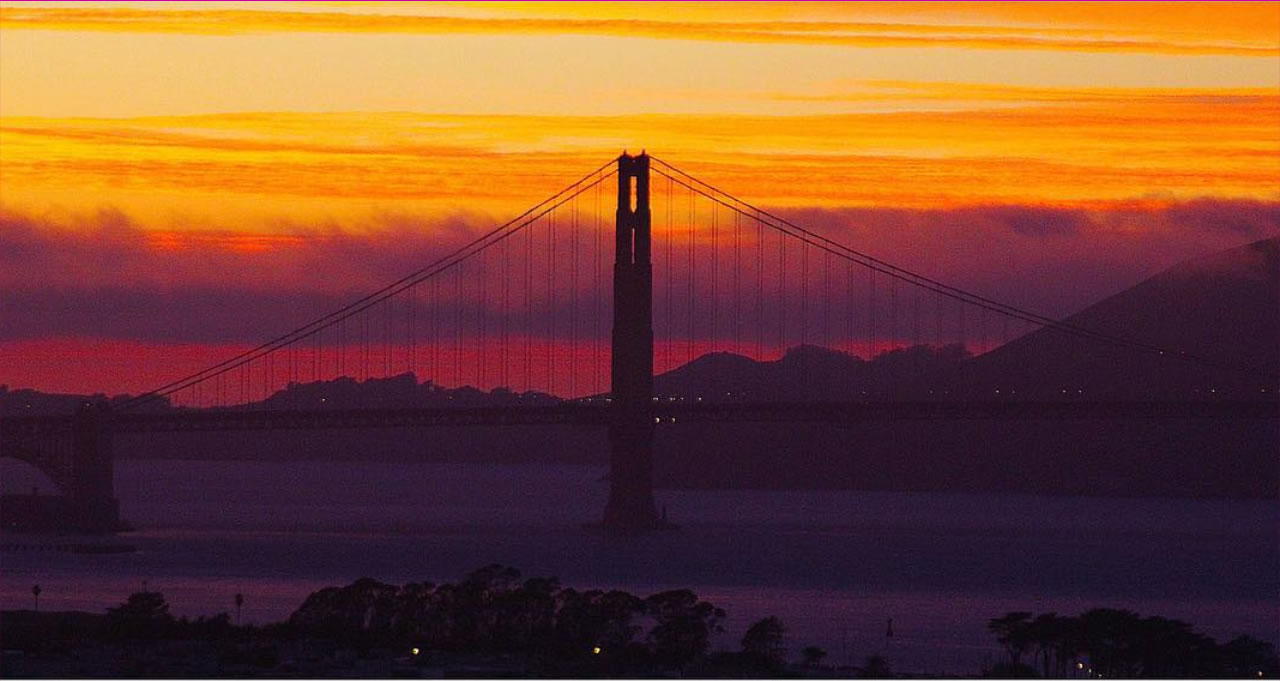 "<div class=""meta image-caption""><div class=""origin-logo origin-image none""><span>none</span></div><span class=""caption-text"">This beautiful sunset was taken of the Golen Gate Bridge Oct. 8, 2015. (Photo submitted to KGO-TV by sarahcpedersen/Instagram)</span></div>"