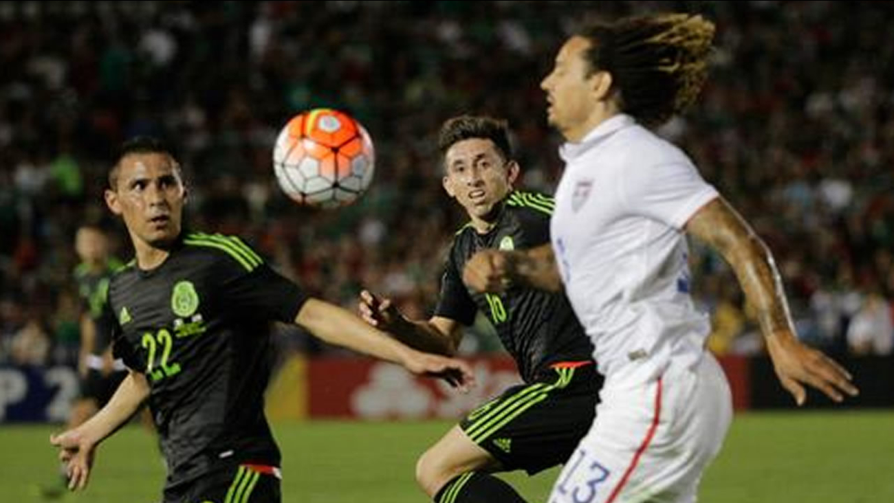 USA loses to Mexico 3-2 at CONCACAF Cup game at the Rose Bowl in Pasadena, Calif. on Saturday, Oct. 10, 2015.