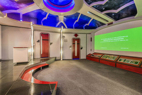 "<div class=""meta image-caption""><div class=""origin-logo origin-image none""><span>none</span></div><span class=""caption-text"">This 5-bedroom house located in Friendswood, TX is a Star Trek lover's dream home. It's currently on the market for 1.2 million. (PHOTO/David W. Payne Photography)</span></div>"