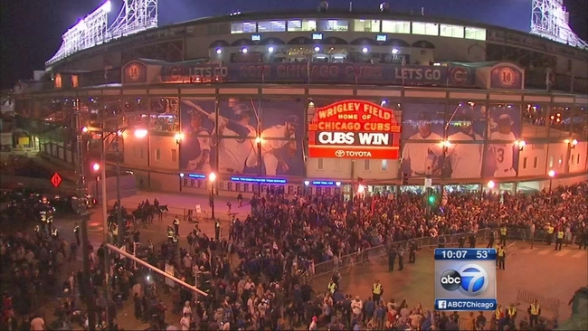 History Behind The Chicago Cubs W Flag Abc7chicago Com