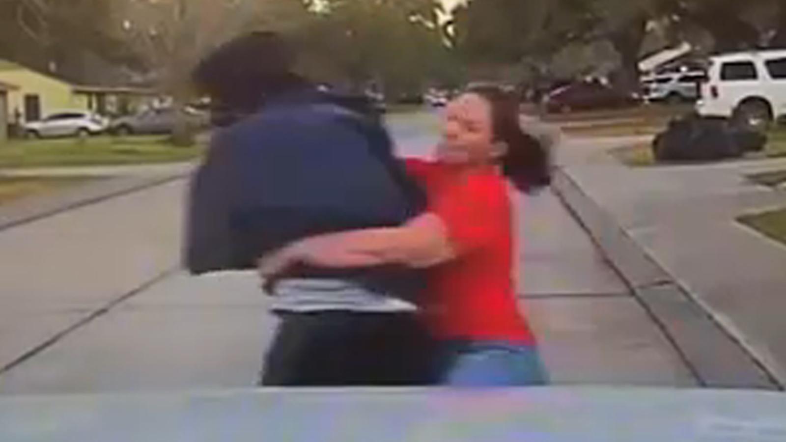 Mom tackles man accused of peeking through daughter's window