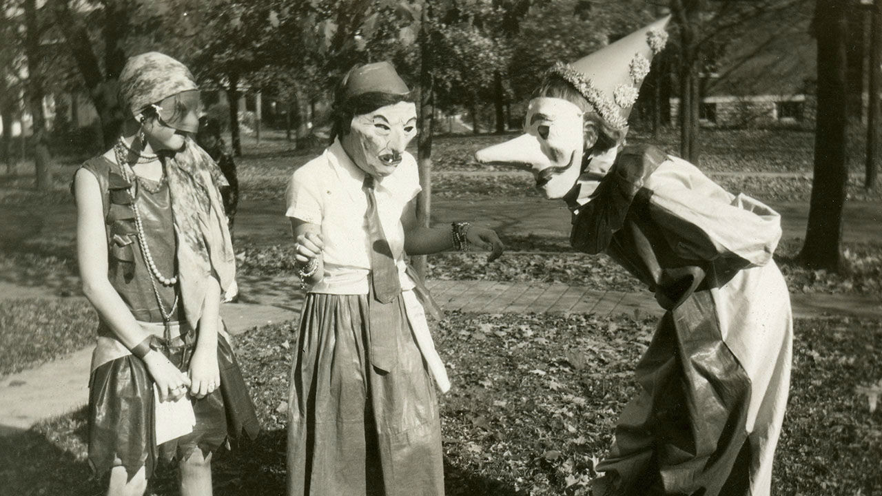 See how people dressed up for Halloween through the decades