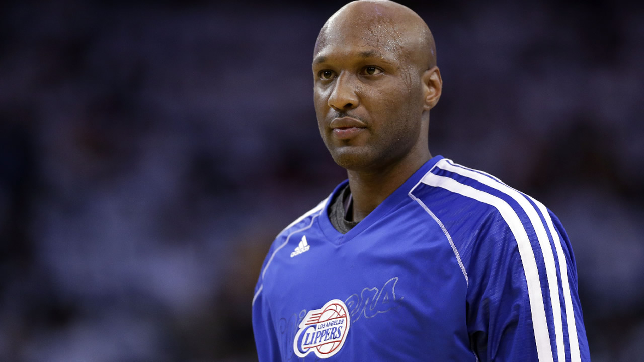 This Jan. 2, 2013 file photo shows Los Angeles Clippers' Lamar Odom (7) in action against the Golden State Warriors during an NBA basketball game in Oakland, Calif. (AP Photo)