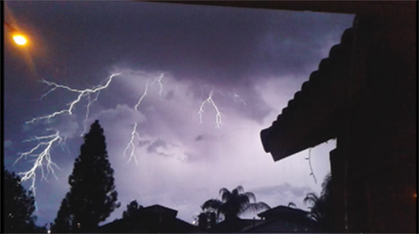 "<div class=""meta image-caption""><div class=""origin-logo origin-image none""><span>none</span></div><span class=""caption-text"">ABC7 viewer Lynnette Karagines shared this photo of lightning from Riverside on Thursday, Oct. 15, 2015. (Twitter/ LKaragines)</span></div>"