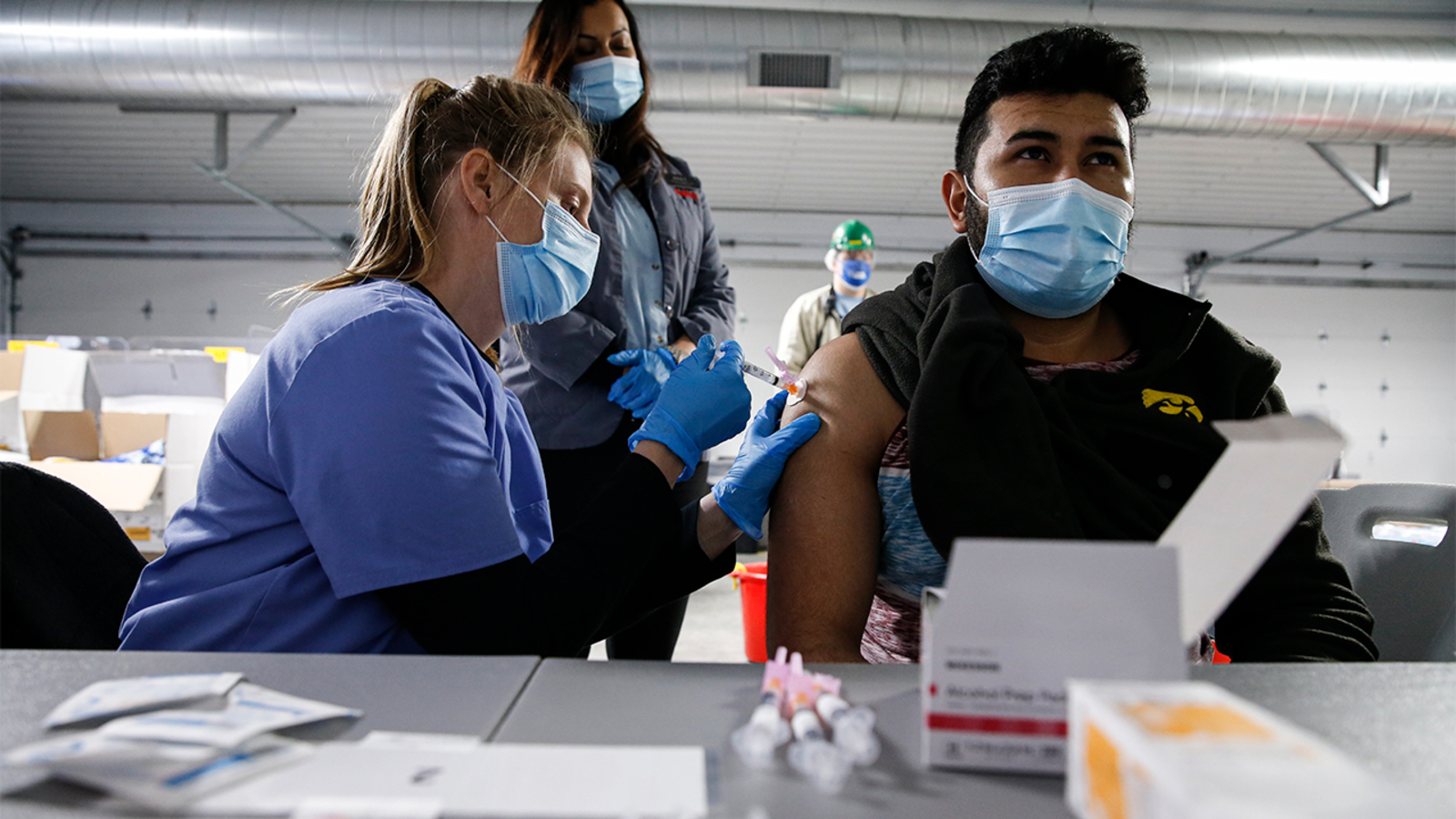 Vaccine 'line jumpers' emerge as Texans don't have to prove eligibility - KTRK-TV