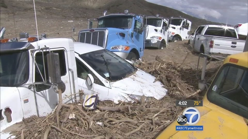 Vehicles remain stuck in Tehachapi mud