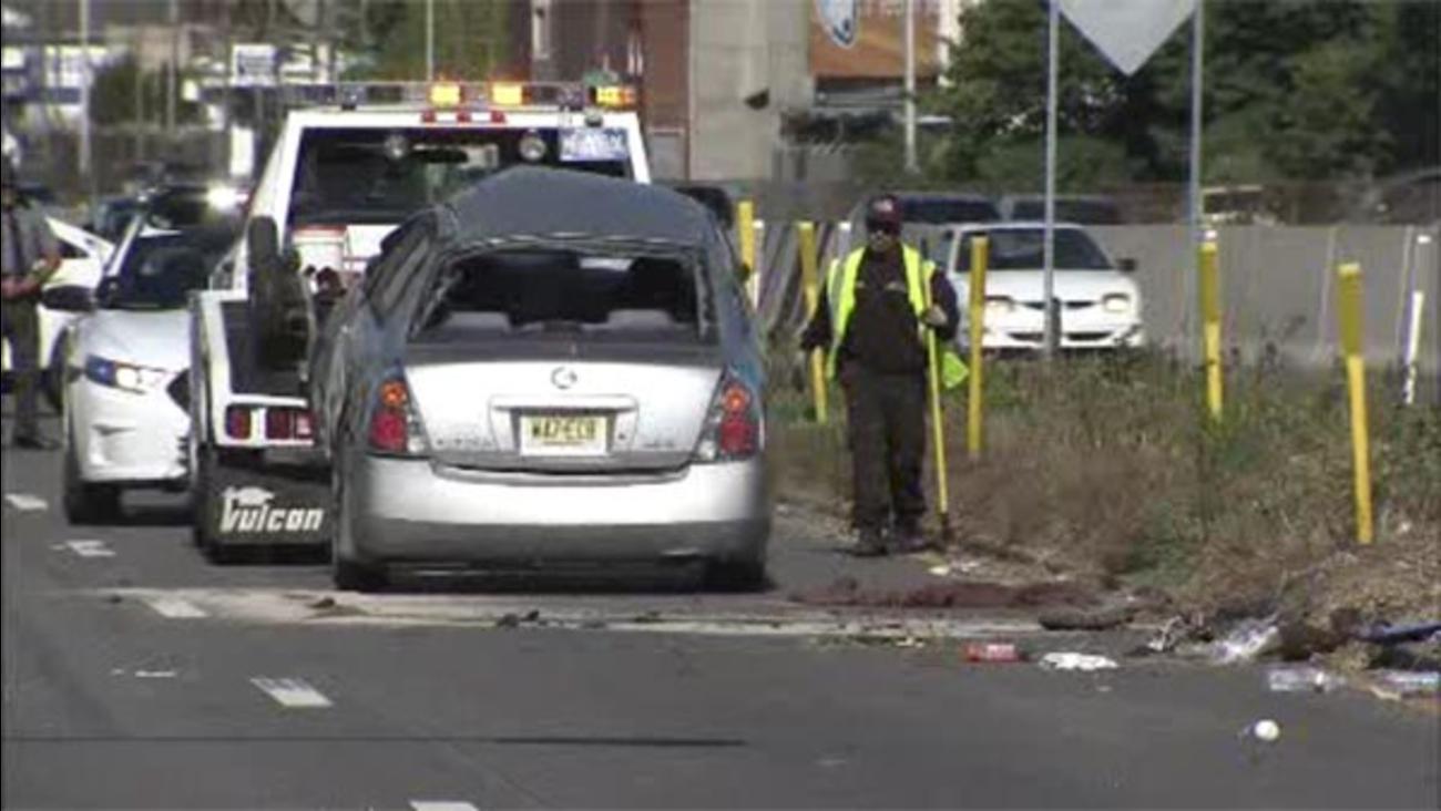 2 injured in I-76 crash in South Philadelphia