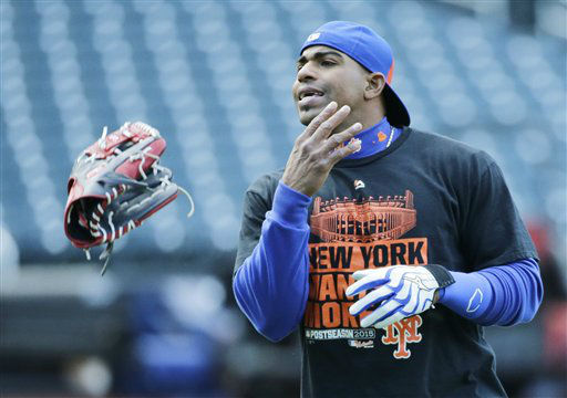 "<div class=""meta image-caption""><div class=""origin-logo origin-image none""><span>none</span></div><span class=""caption-text"">New York Mets' Yoenis Cespedes tosses his glove during batting practice before Game 1. (AP Photo/ Frank Franklin II)</span></div>"