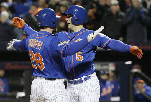 "<div class=""meta image-caption""><div class=""origin-logo origin-image none""><span>none</span></div><span class=""caption-text"">New York Mets' Daniel Murphy (28) is congratulated by David Wright after his two-run home run. (AP Photo/ Julie Jacobson)</span></div>"