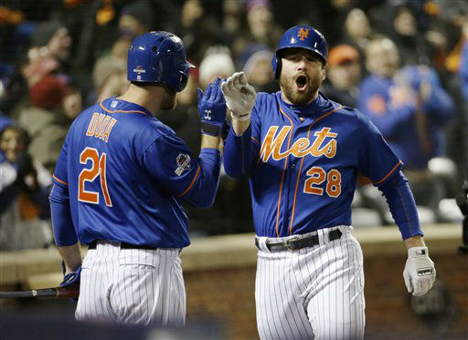 "<div class=""meta image-caption""><div class=""origin-logo origin-image none""><span>none</span></div><span class=""caption-text"">New York Mets' Daniel Murphy is congratulated by teammate Lucas Duda. (AP Photo/ David J. Phillip)</span></div>"