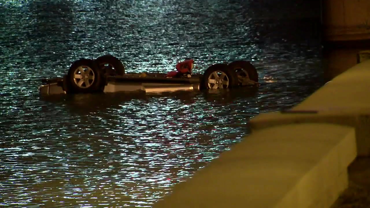Family drowns in lake