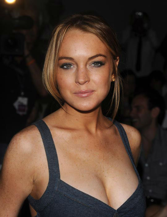 "<div class=""meta image-caption""><div class=""origin-logo origin-image none""><span>none</span></div><span class=""caption-text"">Actress Lindsay Lohan attends the Charlotte Ronson 2009 Spring Collection in Bryant Park during Fashion Week in New York on Saturday, Sept. 6, 2008. (AP Photo/ Peter Kramer)</span></div>"