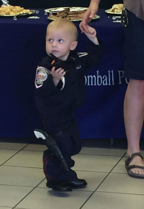 """<div class=""""meta image-caption""""><div class=""""origin-logo origin-image none""""><span>none</span></div><span class=""""caption-text"""">Creighton Eilliott Heslop, a 20-month-old toddler battling cancer, was honored by the Tomball Police Department Monday night. (KTRK Photo/ Tomball Police Department)</span></div>"""