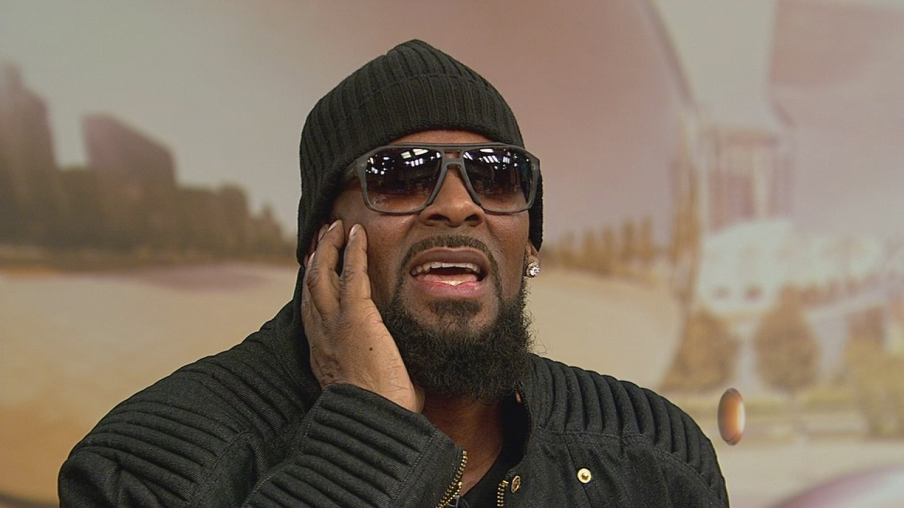 R Kelly channels Michael Jackson