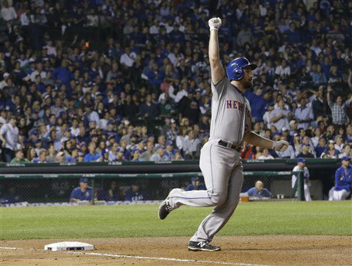 "<div class=""meta image-caption""><div class=""origin-logo origin-image none""><span>none</span></div><span class=""caption-text"">New York Mets' Daniel Murphy rounds first after hitting a home run during the eighth inning. (AP Photo/ David J. Phillip)</span></div>"