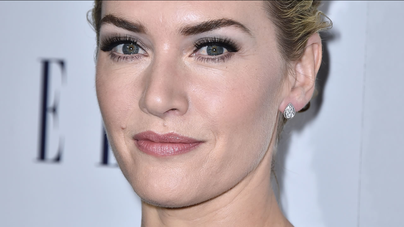 Kate Winslet attends the 2015 ELLE Women in Hollywood Awards at the Four Seasons Hotel on October 19, 2015 in Los Angeles, California. (Photo by Jordan Strauss/Invision/AP)