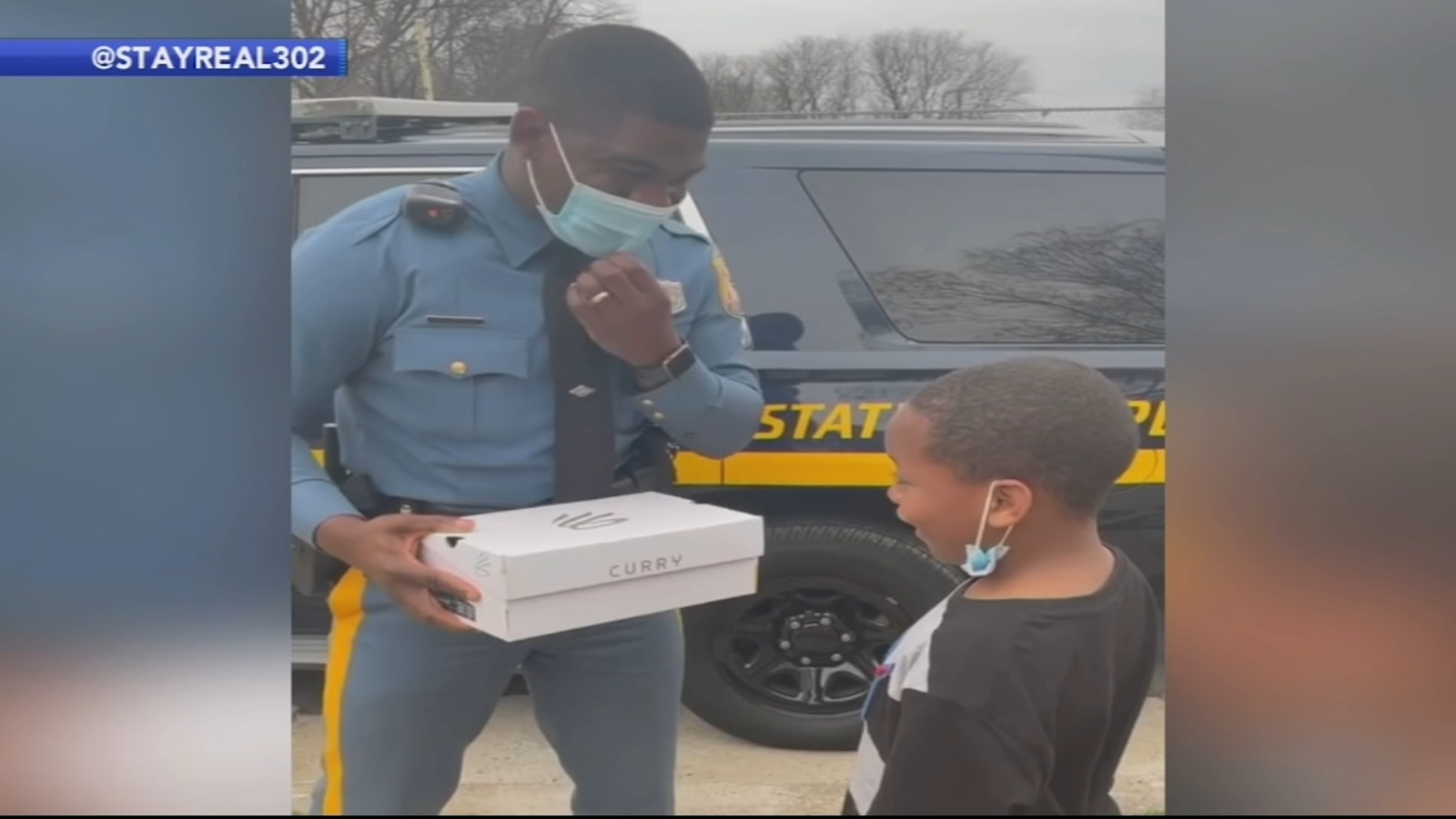 Golden State Warriors' Stephen Curry gives jersey to Delaware state trooper after 76ers game ...