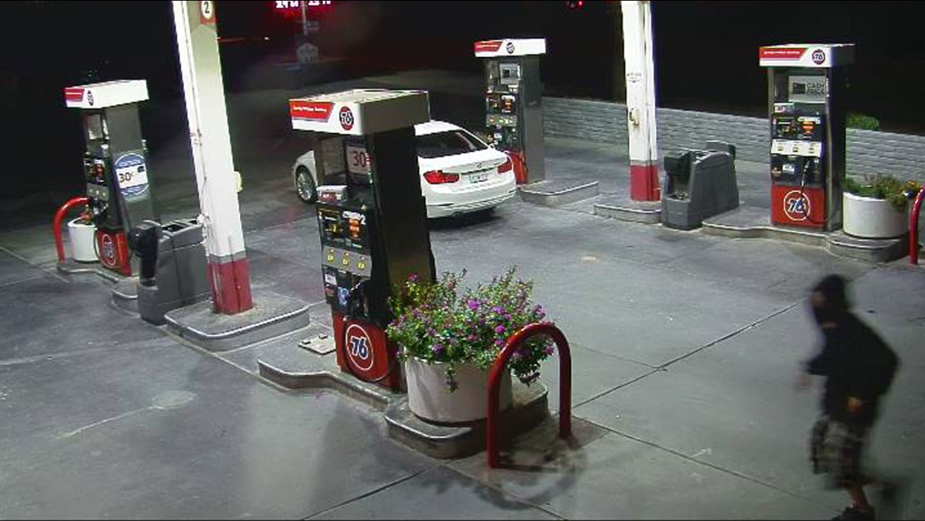 An image captured by special cameras used by the Redlands Police Department shows a robbery suspect at a 76 Gas Station on Monday, Oct. 19, 2015.