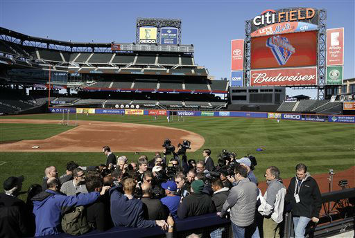 """<div class=""""meta image-caption""""><div class=""""origin-logo origin-image none""""><span>none</span></div><span class=""""caption-text"""">New York Mets manager Terry Collins answers questions for members of the media. (AP Photo/ Julie Jacobson)</span></div>"""