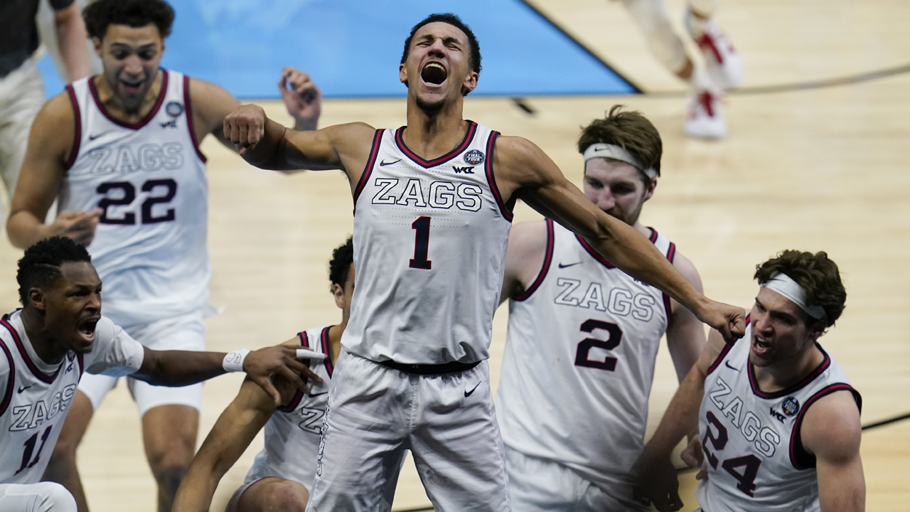 March Madness: Jalen Suggs banks in buzzer-beating 3 to beat UCLA in Final  Four, keep Gonzaga perfect - ABC7 San Francisco