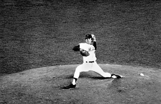 """<div class=""""meta image-caption""""><div class=""""origin-logo origin-image none""""><span>none</span></div><span class=""""caption-text"""">Mets relief pitcher Tug McGraw of the New York Mets throws the ball during Game 5. (AP Photo)</span></div>"""
