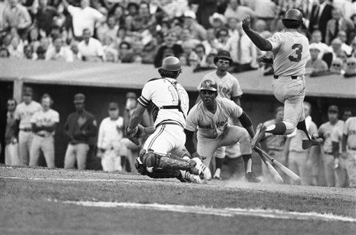 """<div class=""""meta image-caption""""><div class=""""origin-logo origin-image none""""><span>none</span></div><span class=""""caption-text"""">A's catcher Ray Fosse, left photo, attempts to tag Bud Harrelson (3) of Mets as Harrelson tags home in tenth inning. (AP Photo) (AP Photo/ XJFM)</span></div>"""