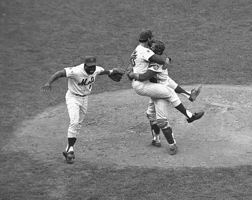 "<div class=""meta image-caption""><div class=""origin-logo origin-image none""><span>none</span></div><span class=""caption-text"">Mets catcher Jerry Grote embraces pitcher Jerry Koosman as the Mets win the World Series. (AP Photo) (AP Photo/ XSS)</span></div>"