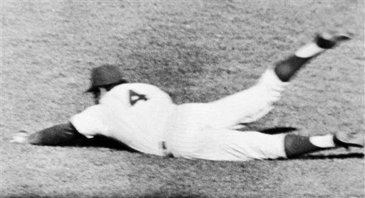 """<div class=""""meta image-caption""""><div class=""""origin-logo origin-image none""""><span>none</span></div><span class=""""caption-text"""">Mets right fielder Ron Swoboda makes a diving catch for an out on a line drive hit Baltimore Orioles' Brooks Robinson during the ninth inning.  (AP Photo/File) (AP Photo/ Anonymous)</span></div>"""
