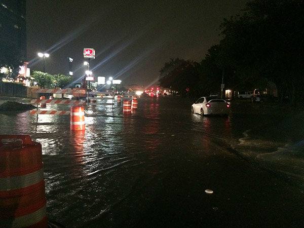 "<div class=""meta image-caption""><div class=""origin-logo origin-image none""><span>none</span></div><span class=""caption-text"">Flooding near Highway 59 and Fondren.  If you have photos, email them to news@abc13.com or upload them using #abc13eyewitness (KTRK/Pooja Lodhia)</span></div>"