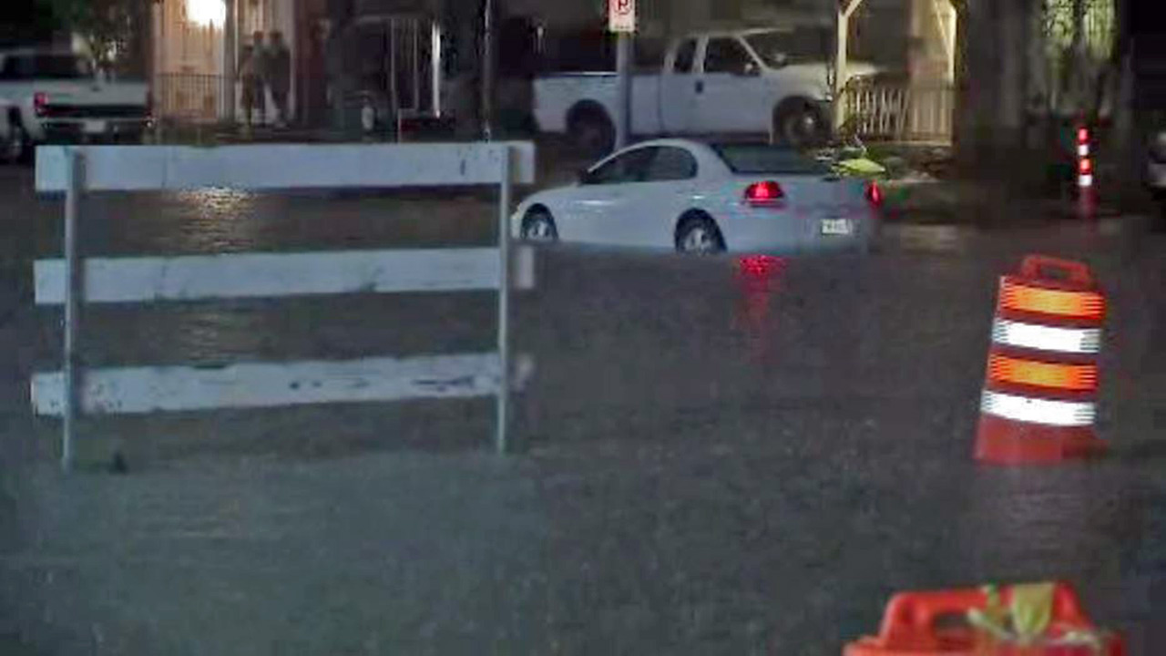 "<div class=""meta image-caption""><div class=""origin-logo origin-image none""><span>none</span></div><span class=""caption-text"">Flooding near Highway 59 at Fondren.  If you have photos, email them to news@abc13.com or upload them using #abc13eyewitness (Photo/King, Michael (KTRK-TV))</span></div>"