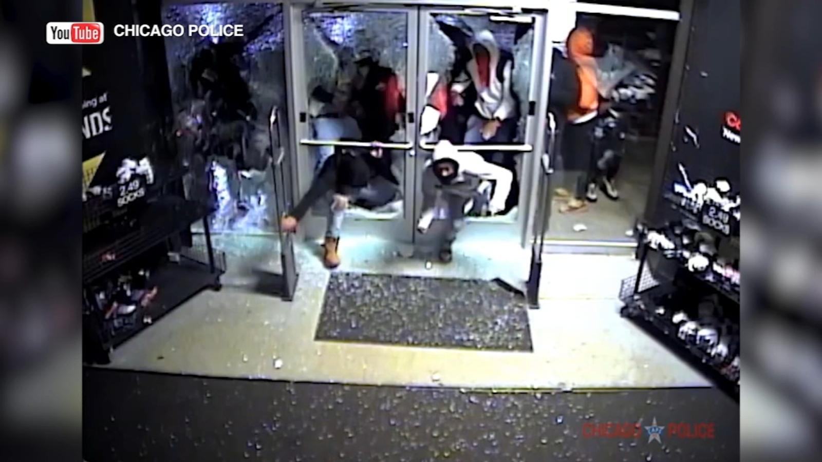 Chicago police release video of Back of the Yards burglary involving dozens at retail store