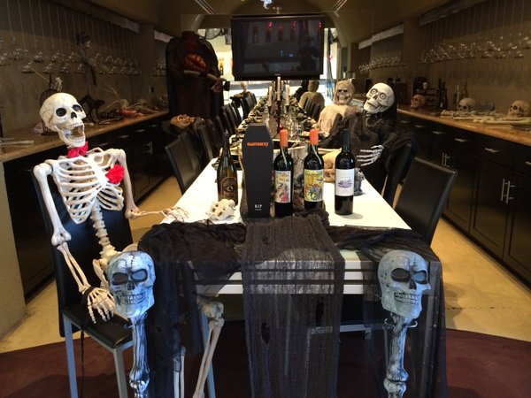 "<div class=""meta image-caption""><div class=""origin-logo origin-image none""><span>none</span></div><span class=""caption-text"">What spooky dinner guests! Share your photos by tagging them on social media with #SpookyOn7! (Photo submitted to KGO-TV by florasprings/Twitter)</span></div>"
