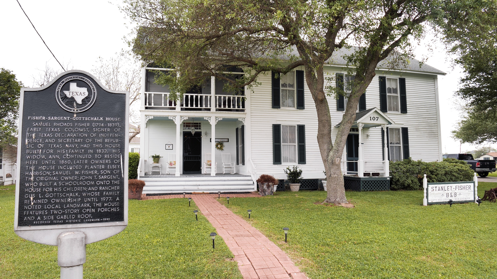 Family keeps history alive with B&B in one of Texas' oldest homes