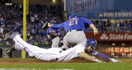 "<div class=""meta image-caption""><div class=""origin-logo origin-image none""><span>none</span></div><span class=""caption-text"">Royals' Eric Hosmer is out at first as New York Mets' Lucas Duda (21) takes the throw during the third inning. (AP Photo/David J. Phillip) (AP Photo/ David J. Phillip)</span></div>"
