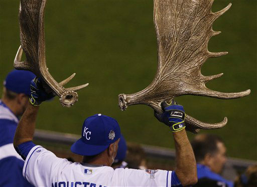 "<div class=""meta image-caption""><div class=""origin-logo origin-image none""><span>none</span></div><span class=""caption-text"">A Kansas City Royals fan holds up moose antlers during Game 1. (AP Photo/Orlin Wagner) (AP Photo/ Orlin Wagner)</span></div>"