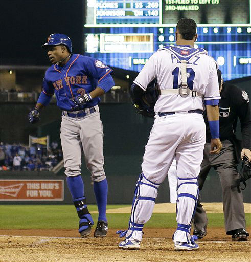 "<div class=""meta image-caption""><div class=""origin-logo origin-image none""><span>none</span></div><span class=""caption-text"">Mets' Curtis Granderson, left, celebrates after a home run past Kansas City Royals catcher Salvador Perez during the fifth inning. (AP Photo/Matt Slocum) (AP Photo/ Matt Slocum)</span></div>"