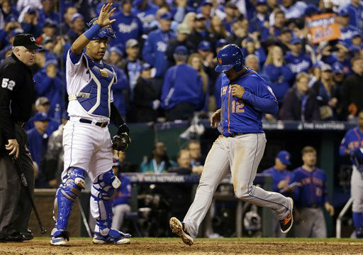 "<div class=""meta image-caption""><div class=""origin-logo origin-image none""><span>none</span></div><span class=""caption-text"">Mets' Juan Lagares scores during the eighth inning of Game 1. (AP Photo/David J. Phillip) (AP Photo/ David J. Phillip)</span></div>"