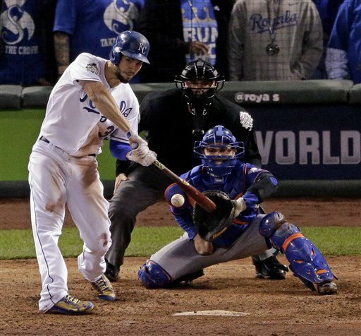 "<div class=""meta image-caption""><div class=""origin-logo origin-image none""><span>none</span></div><span class=""caption-text"">Royals' Eric Hosmer hits a sacrifice fly ball against the New York Mets during the sixth inning of Game 1. (AP Photo/Charlie Riedel) (AP Photo/ Charlie Riedel)</span></div>"