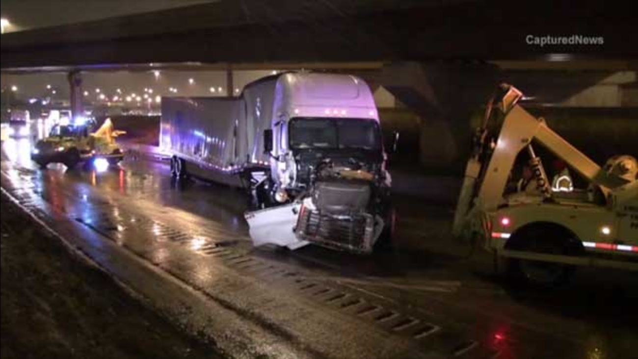 A jackknifed semi on the inbound Dan Ryan Expressway near 63rd Street closed all local lanes for nearly three hours early Wednesday morning.